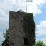 Jubiläumsturm mit neuer Fahne